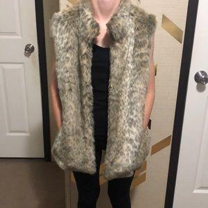Banana Republic Faux Fur Vest Large NWOT